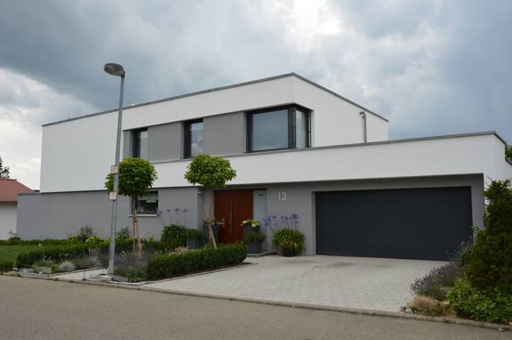 Einfamilienhaus in Aalen: moderne Häuser von Architekturbüro Kais und Kais GmbH