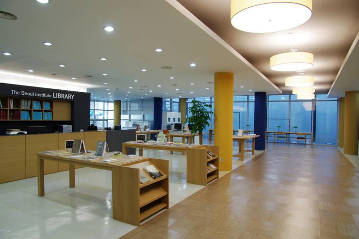 The Seoul Institute Library 2012, Seochogu, Seoul, Korea: Design Solution의  회의실