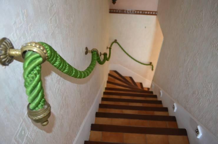 Avant : l'escalier:  de style  par Christèle BRIER Architechniques