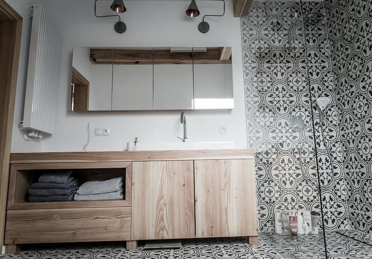 Łazienka dla dwojga : styl , w kategorii Łazienka zaprojektowany przez grupa KMK sp. z o.o