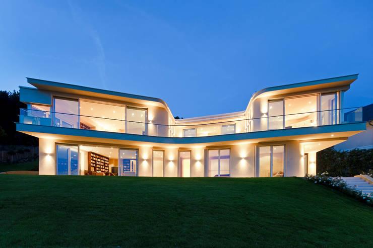 Haus GF:  Häuser von t-hoch-n Architektur