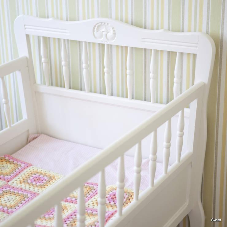 Brocante peuterbed:  Slaapkamer door Swiet