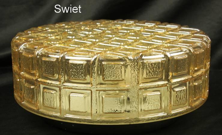 Vintage glazen plafonniere:  Badkamer door Swiet