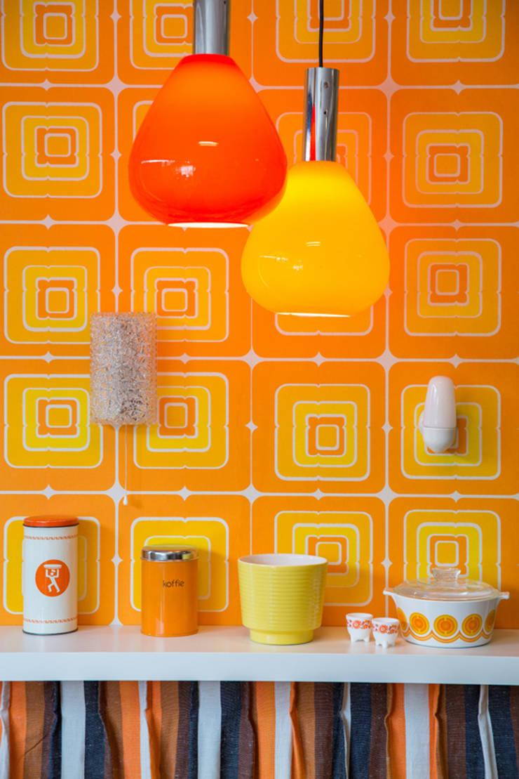 Glazen vintage design lamp:  Eetkamer door Swiet