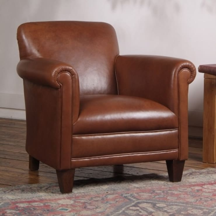 BANKS:  Living room by TETRAD LTD