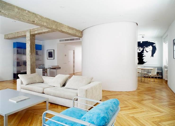 Desengaño: Salones de estilo  de Maroto e Ibañez Arquitectos