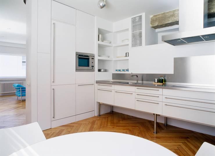 Desengaño: Cocinas de estilo  de Maroto e Ibañez Arquitectos