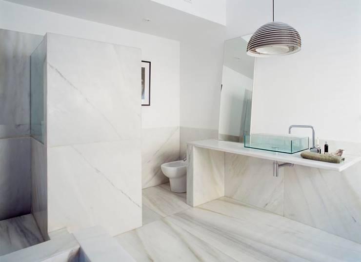 Casas de banho  por Maroto e Ibañez Arquitectos