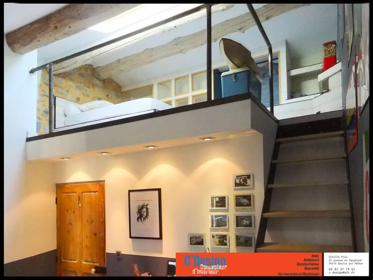 Bureau mezzanine: Salon de style  par C'Design