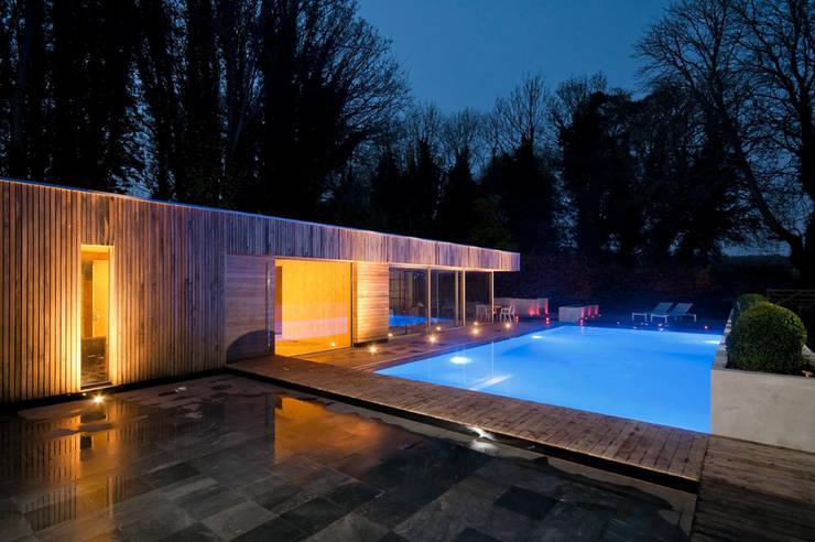 Rumah oleh Adam Knibb Architects, Modern