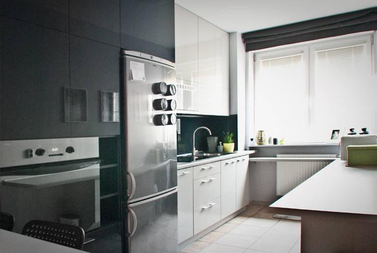 Kuchnia - mieszkanie prywatne Katowice: styl , w kategorii Kuchnia zaprojektowany przez Projektowanie Wnętrz Agnieszka Noworzyń