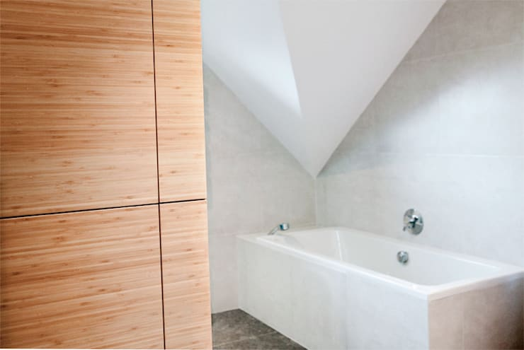 Łazienka – dom jednorodzinny Katowice: styl , w kategorii Łazienka zaprojektowany przez Projektowanie Wnętrz Agnieszka Noworzyń
