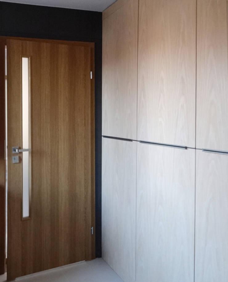 Dom jednorodzinny – Bremen: styl , w kategorii Łazienka zaprojektowany przez Projektowanie Wnętrz Agnieszka Noworzyń,Nowoczesny