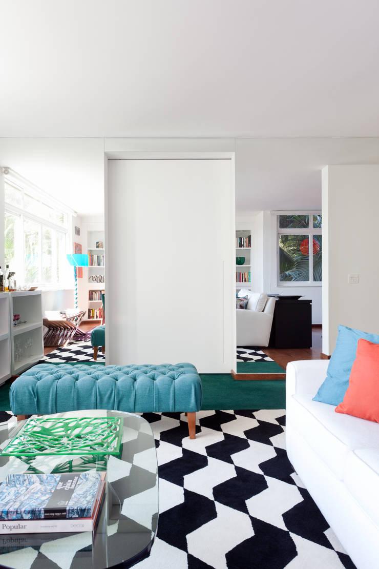 Projeto Amauri: Quartos  por Suite Arquitetos