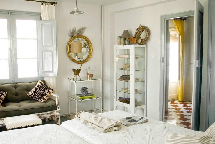 Camera da letto in stile  di Casa Josephine