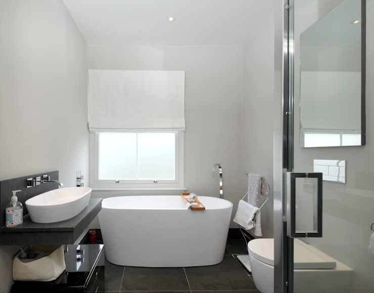 Cambrian Road: modern Bathroom by Green County Developments