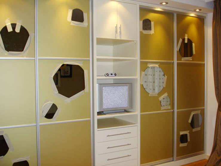 AR-ES MİMARLIK TİCARET LTD STİ – Aşkın Kuraltak Evi:  tarz Giyinme Odası