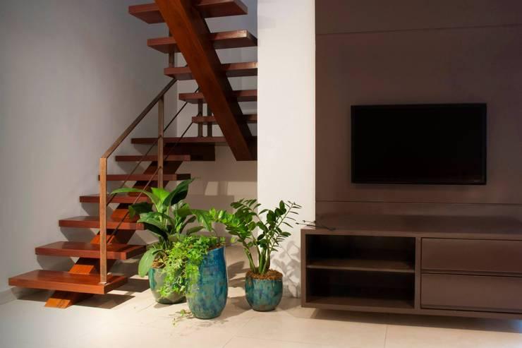 Projekty,  Zieleń wewnątrz zaprojektowane przez Luiza Soares - Paisagismo