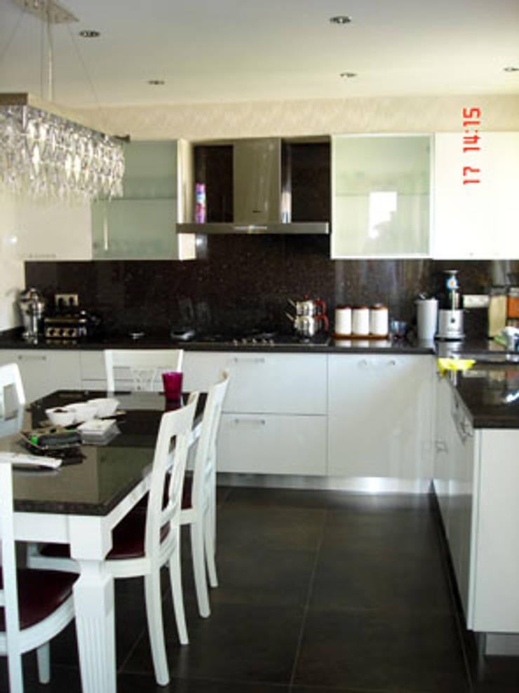 Modern style kitchen by AR-ES MİMARLIK TİCARET LTD STİ Modern