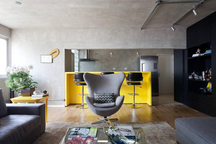 Cocinas de estilo  por Suite Arquitetos