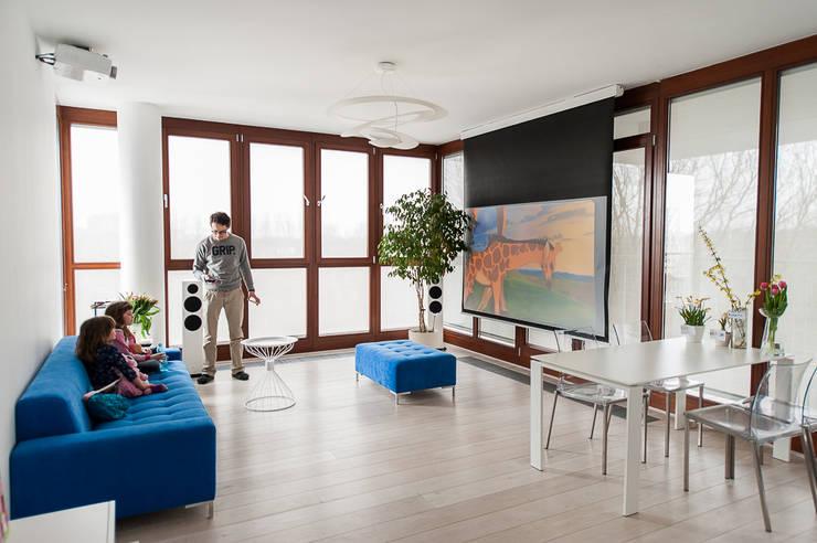 Apartament na Chodkiewicza: styl , w kategorii Salon zaprojektowany przez MATELIER