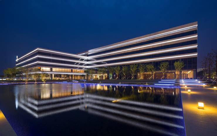 modern  by Architecture by Aedas, Modern