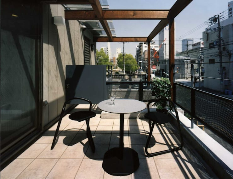 terrace: H.Maekawa Architect & Associatesが手掛けたテラス・ベランダです。