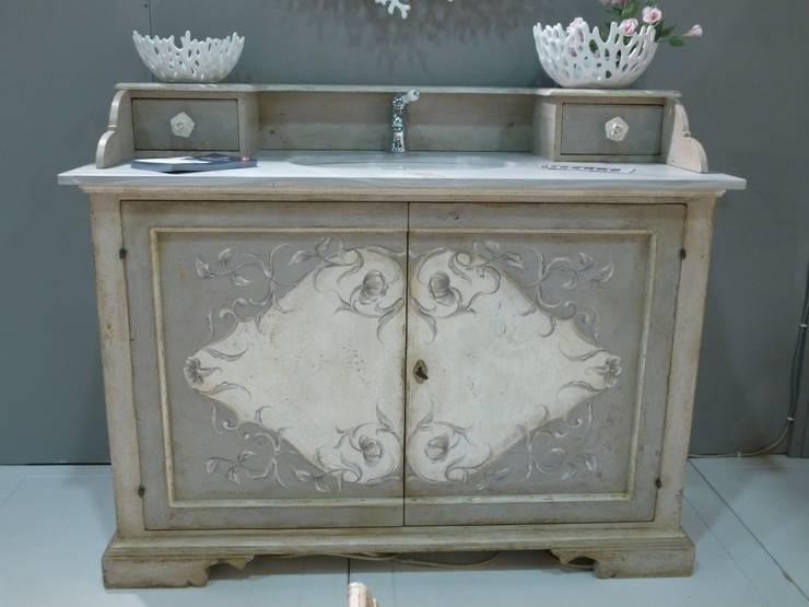 Quando l 39 antico fa stile idee per cucina e bagno tra shabby chic e ceramiche colorate - Mobile bagno shabby ...