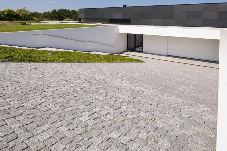 modern Houses by MOBIUS ARCHITEKCI PRZEMEK OLCZYK