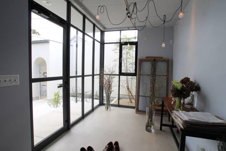 Study/office by Sakurayama-Architect-Design