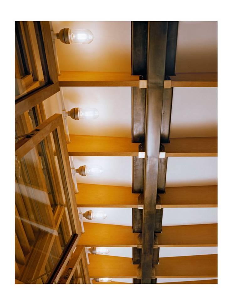 dolny manhattan penthouse: styl , w kategorii Ściany zaprojektowany przez Zbigniew Winiarczyk ,