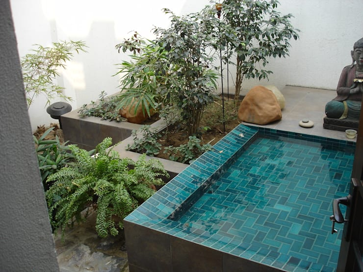 Seth Residence :   by Kumar Moorthy & Associates