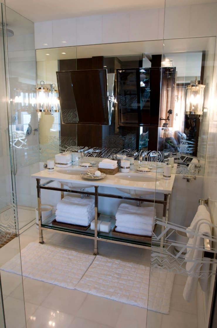 Ривьера: Ванные комнаты в . Автор – DecorAndDesign