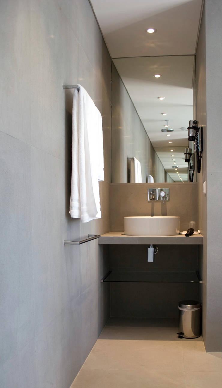 Hôtel Le Mandala à Saint-Tropez: Hôtels de style  par Casa Architecture