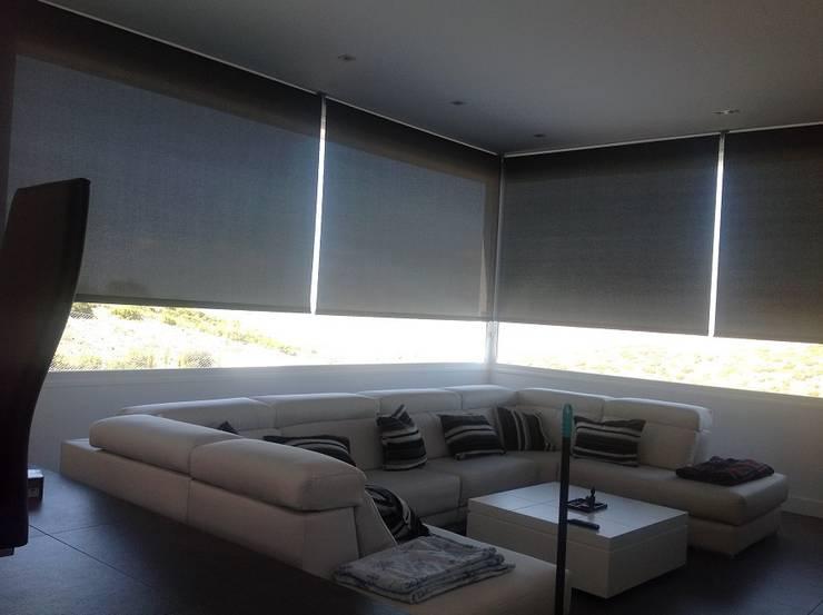 Cortinasmadrid- TecnicorT: modern tarz Pencere & Kapılar