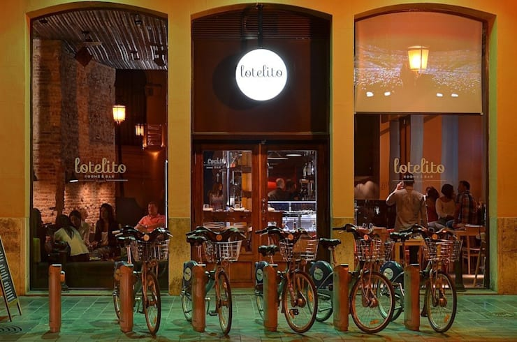 Lotelito Rooms & Bar: Bares y Clubs de estilo  de LabMatic Estudio