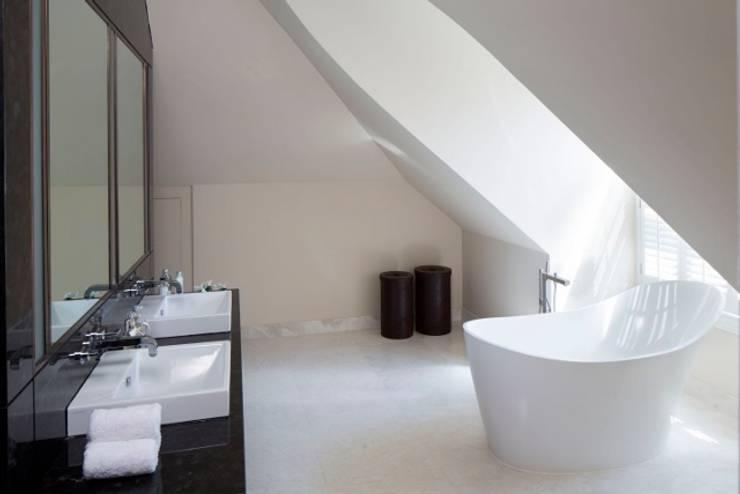 Oxshott Surrey England:   by Halo Design Interiors