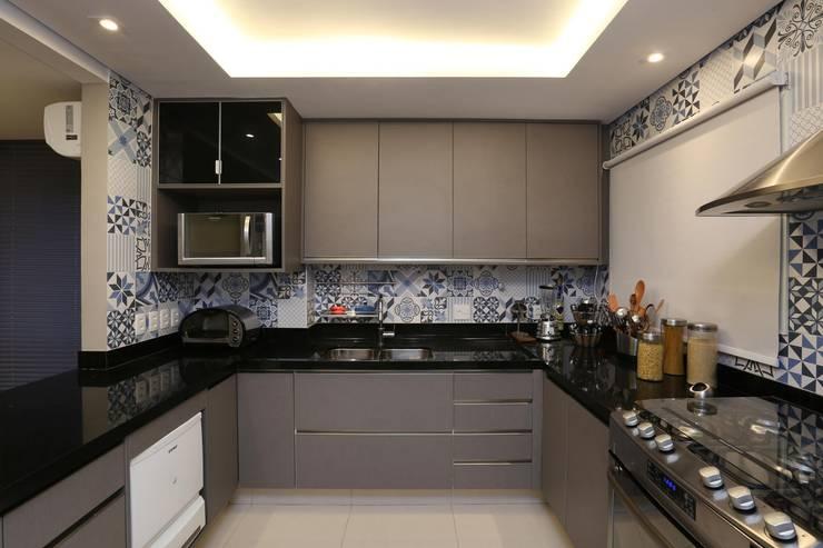 Cidade Jardim | Residenciais: Cozinhas  por SESSO & DALANEZI