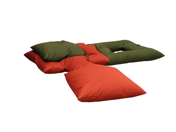 CHILLOW Nylon indoor olive / dark red:  Wohnzimmer von PYG®