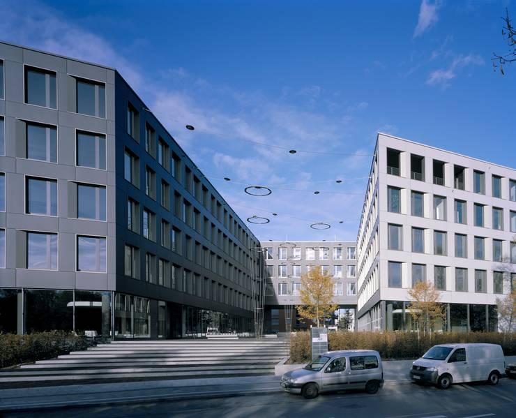 Blick von der Theresienstraße:  Garten von grabner huber lipp landschaftsarchitekten partnerschaft,