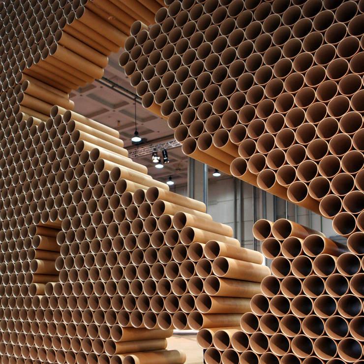 Campionaria Qualità: Allestimenti fieristici in stile  di Principioattivo Architecture Group Srl