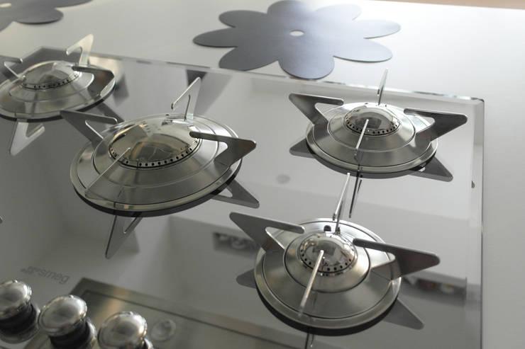 Modern Kitchen by Laura Marini Architetto Modern