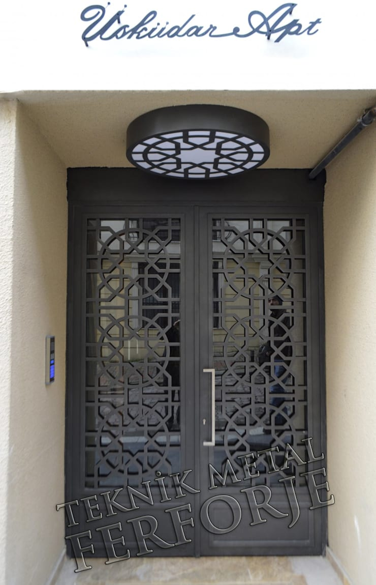 Teknik Metal Ferforje – FERFORJE LAZER KESİM BİNA KAPILARI:  tarz Pencere, Modern