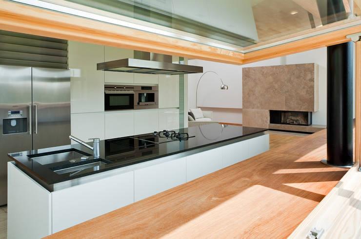 Кухни в . Автор – CAA ARCHITEKCI