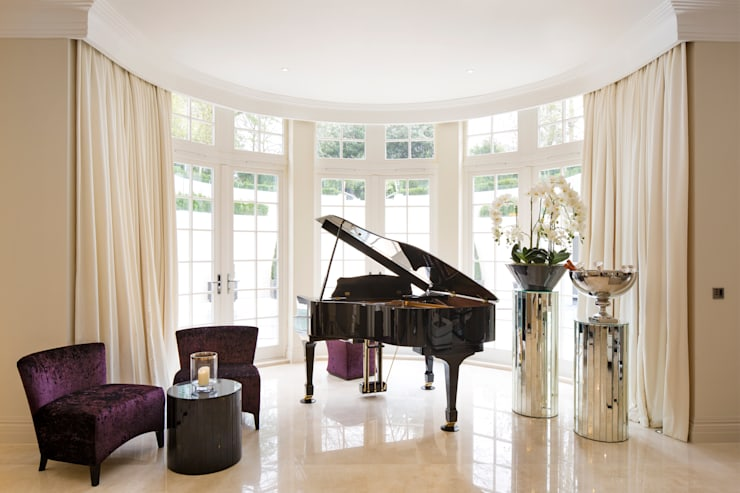 Fairways at the Bishops Avenue:  Living room by Celia Sawyer Luxury Interiors