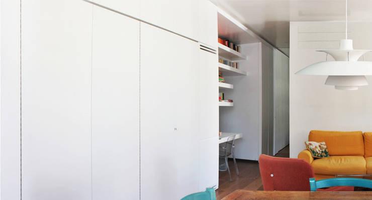 casa testaccio: Case in stile  di laiBE