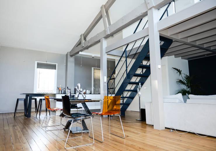 Réabilitation d'une maison individuelle: Maisons de style de style Moderne par Arana.Architecture