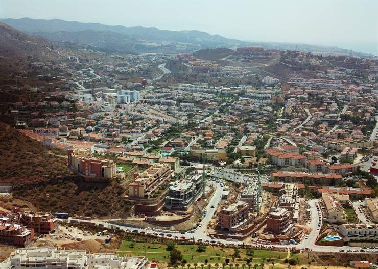 Urbanización Rincón:  de estilo  de santacruz y asociados estudio de arquitectura