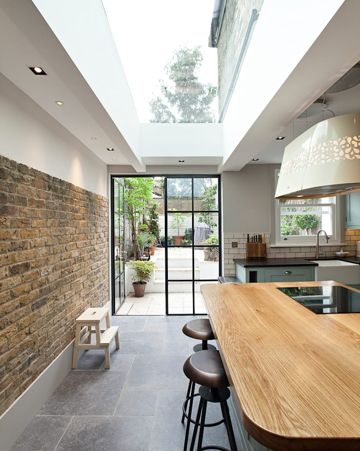 Whistler Street, London:  Kitchen by Peter Landers Photography