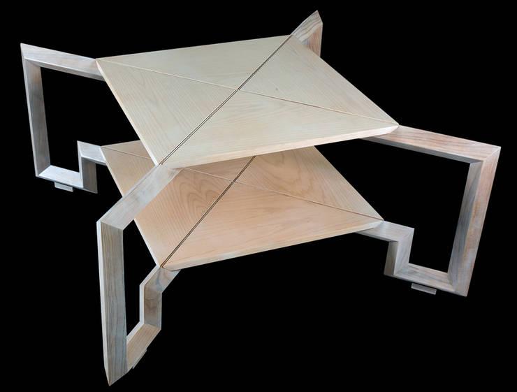 Spider Wood Table:  in stile  di Francesco Della Femina, Mediterraneo
